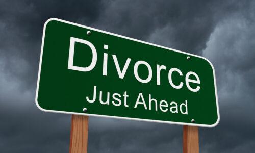 2016 06 19 1466296512 650597 bigstockDivorceJustAheadSign77415335 500x300 - Divorce